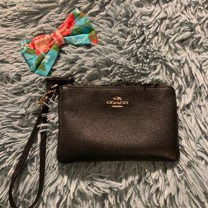 Black coach wristlet bag (ORIGINAL)
